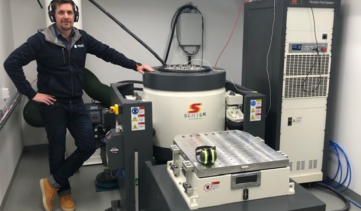 Service av elektrodynamiska vibratorer